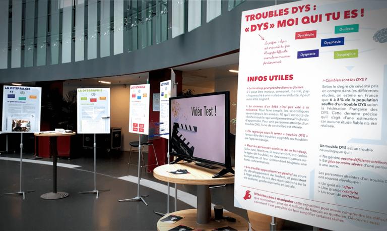 Aperçu de différents affiches expliquant les différents troubles et les informations utiles lors de l'expo DYS